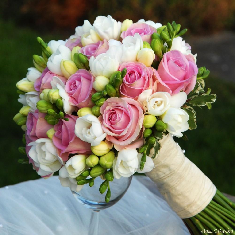 03b3626fb5 38 KYTÍC PRE NEVESTU - Príbeh svadby