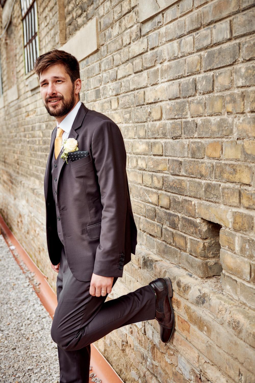 Oblek na mieru pre ženícha