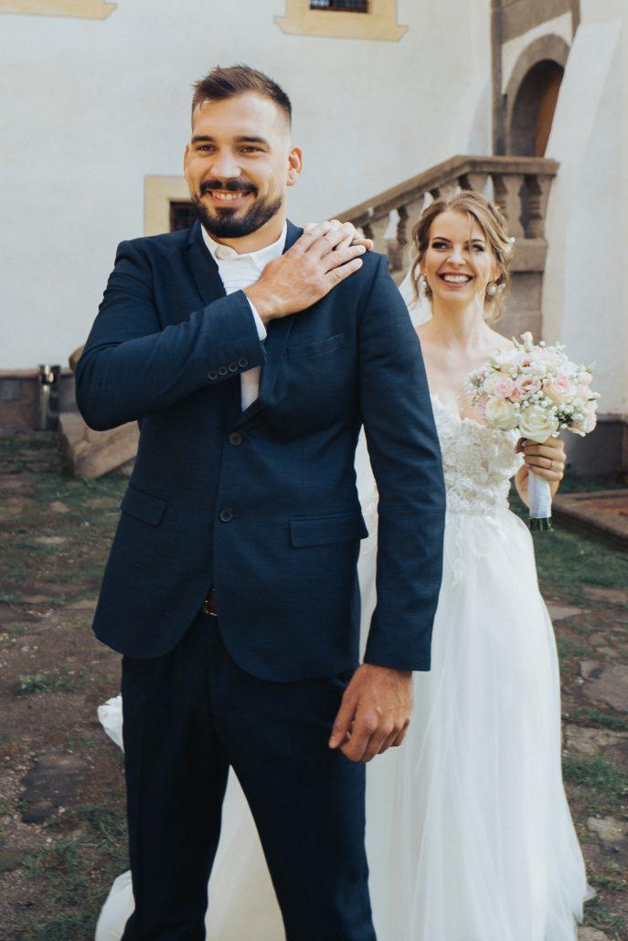 """Fotenie """"first look"""" očami Patrik Molčan, fotky prvého pohľadu snúbencov."""
