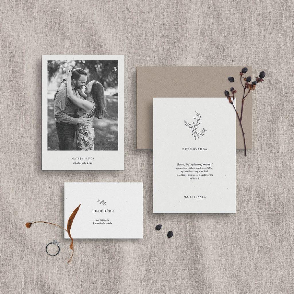 Krásne bielo hnedé svadobné oznámenie z dielne Wedin.
