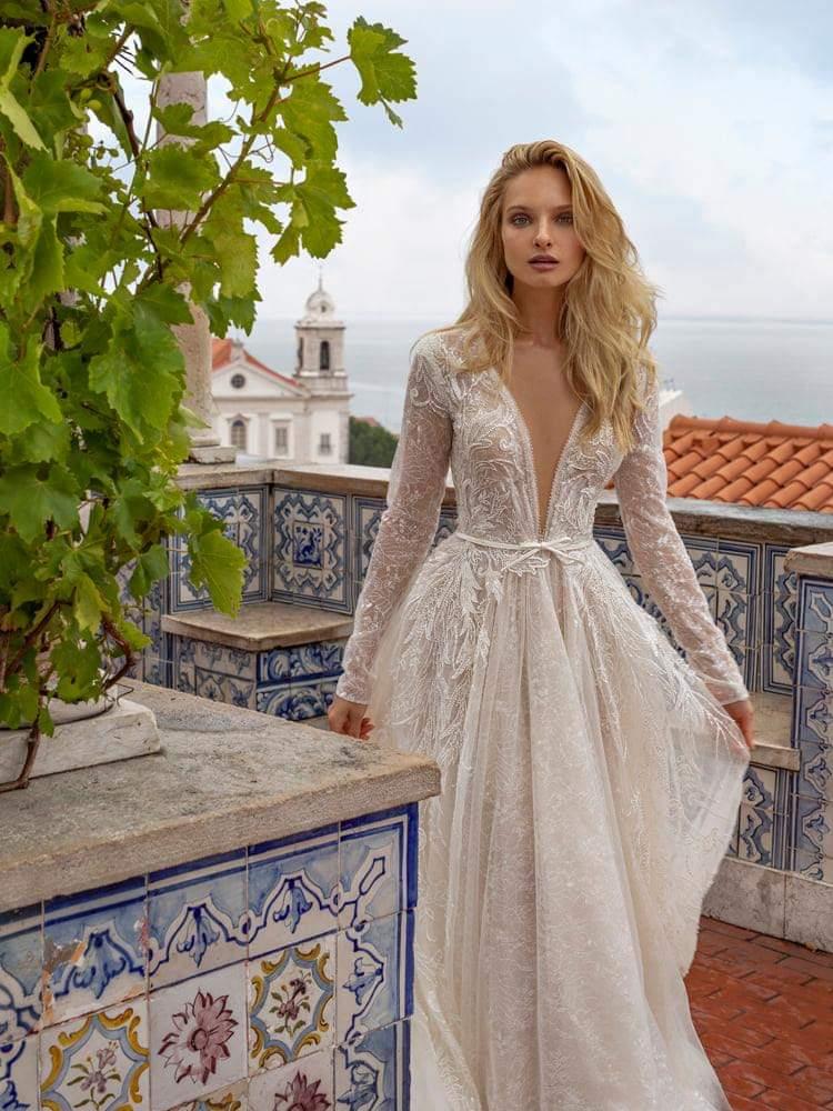 Svadobný šaty od značky Eva Lendel, model Nelly na krásnej neveste.