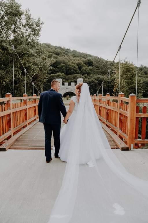 svadobný závoj štvormetrový s krajkou