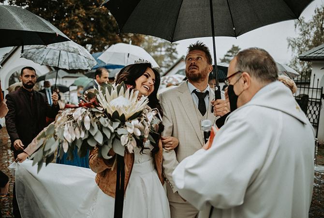 svadobný obrad pod holým nebom
