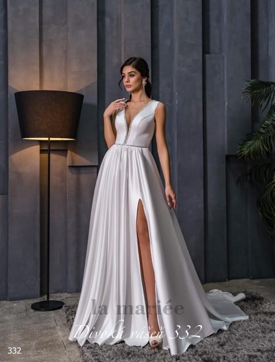 jednoduché saténové biele svadobné šaty - Svadobný salón La Mariée