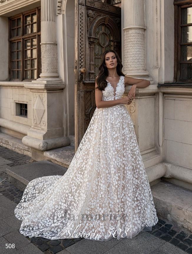 romantické svadobné šaty s kvetinovým vzorom