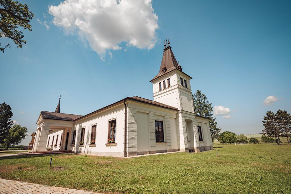 kaštiel v Chateau Ruban - svadobné miesto