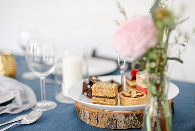 svadobný candy bar s koláčmi