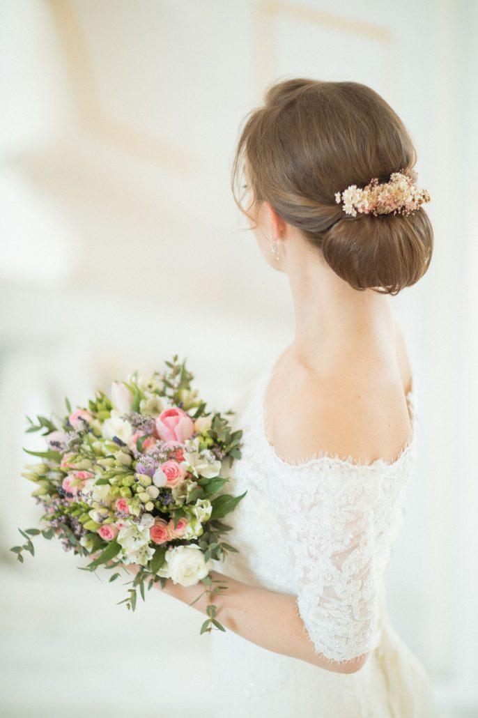 účes na svadbu - svadobný drdol